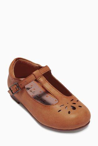 T-Bar Shoes size 25.5 EU