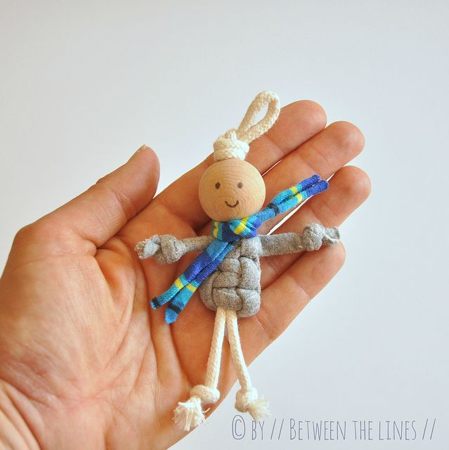 T-shirt yarn macramé puppets by // Between the Lines //, NO SEW, only MACRAMÉ