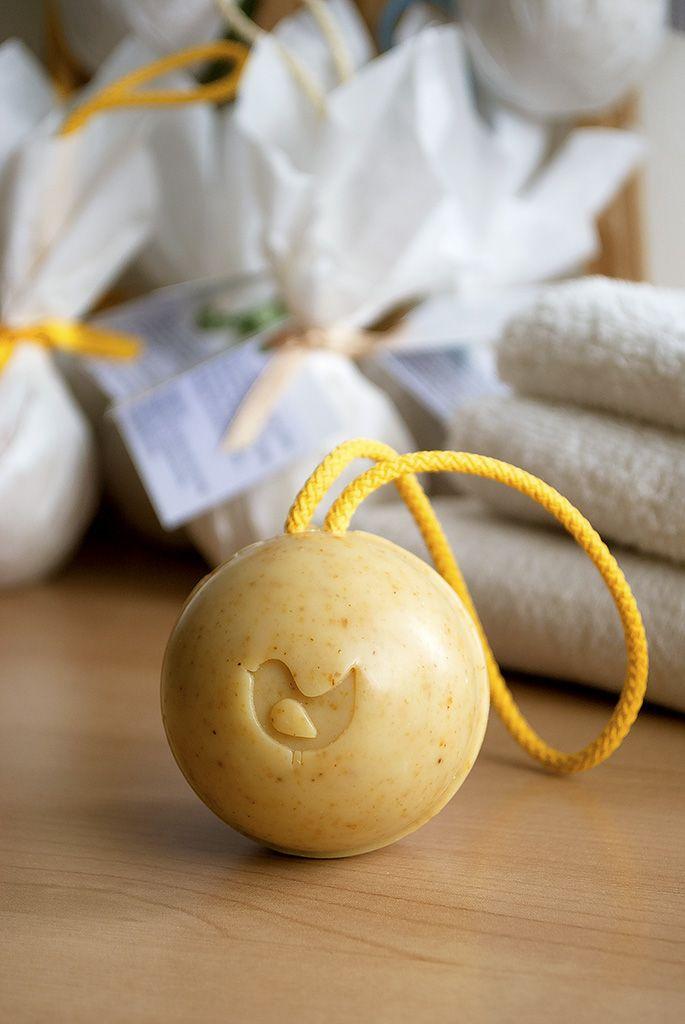 Induljon jól a hét... A homoktövist szappanban is szeretjük... http://webshop.love2smile.hu/spl/406154/Zuhanyszappanok #soap #natural #vegan #szappan #termeszetes #novenyi #love2smile #seabuckthorn #homoktovis