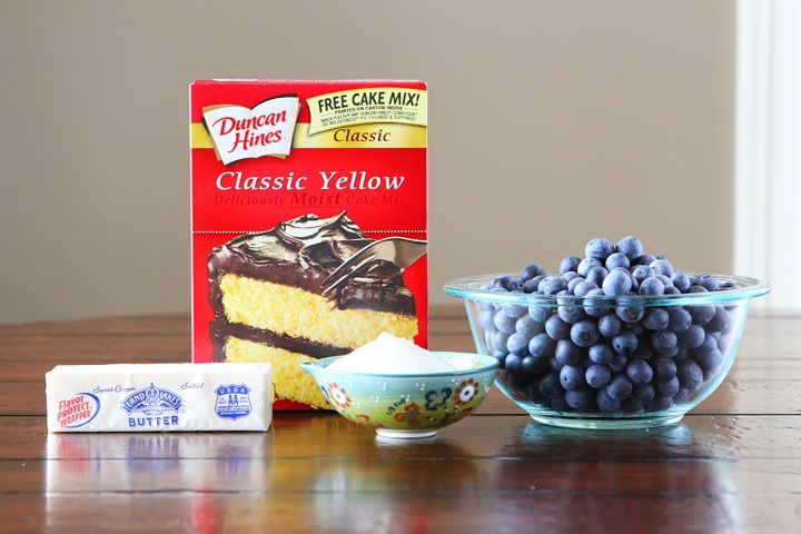 Honestly the best Blueberry Cobbler only 4 ingredients (yellow cake mix, butter, blueberries, & sugar) super easy to make!