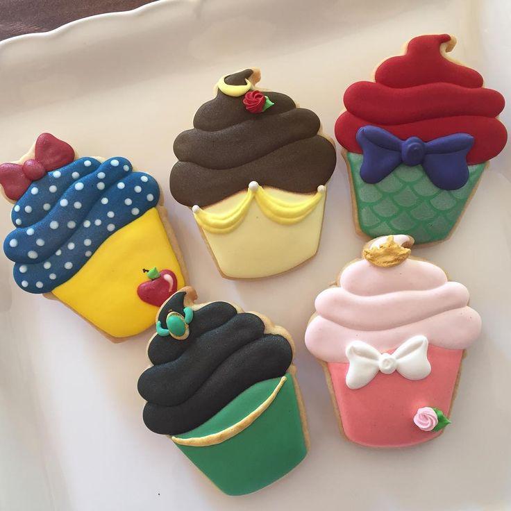 Princess cupcakes! ❤ #princesscupcakes #cupcakecookies #princesscookies #customcookies #sugarcookies