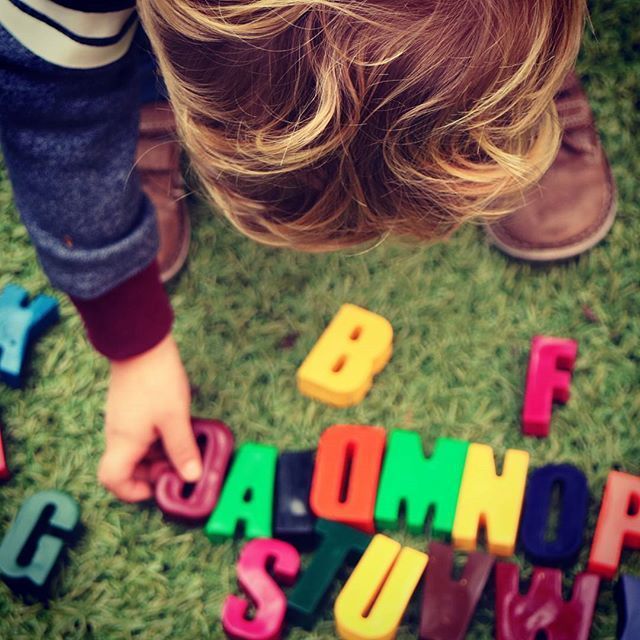 Love love love seeing little fingers learning with our crayons  Master 2 has been busy rearranging (learning??) his alphabet today  thanks to @sabkatfra for the   #tintacrayons #learnthroughplay #educationaltoys #toddlerlife #learningisfun #educational #crayons #alphabet #letters