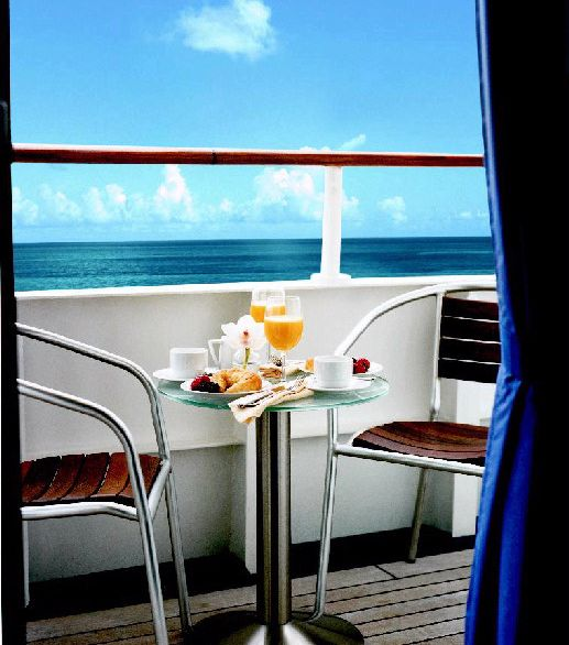 Talk about a morning view! What's your favourite place to wake up?   Wake up to this with our cruise #deals  #travel