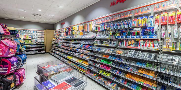 McPaper – Potsdam, Germania  Il 70 percento di risparmio energetico grazie alla sostituzione 1:1 delle lampadine grazie a Oktalite #retail #shop