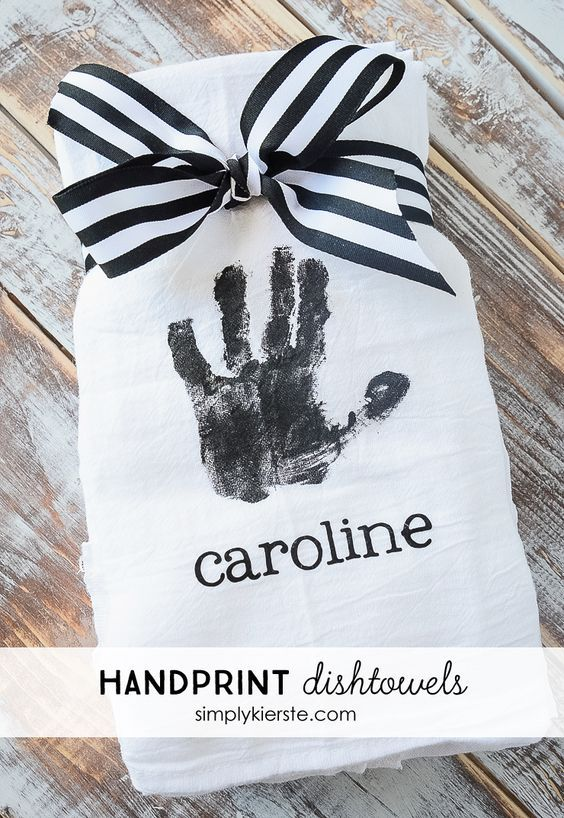 Handprint Dishtowels | simplykierste.com - This Mother's Day gift will be cherished for years to come!