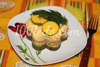 Слоеный салат со шпротным паштетом