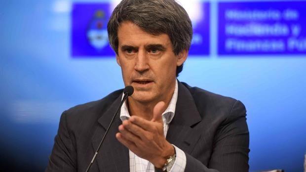 """Alfonso Prat- Gay: """"Estamos contentos de anunciar el fin del cepo cambiario""""  Prat Gay evitó precisar a cuánto estará la cotización del dólar.Foto:Reuters"""