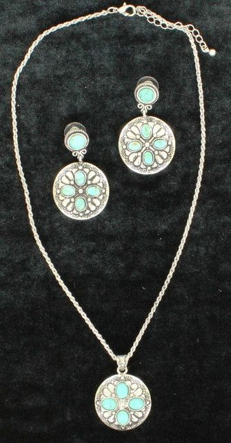 (MFW30574) Western Oval Turquoise & Silver Cross Necklace and Earrings