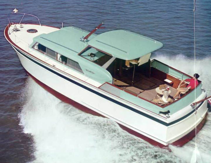 Chris Craft 36' Roamer hard top. Not sure of the year. The Roamer was Chris Craft's steel hulled line.