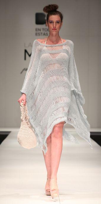 Poncho hecho a mano, tejido en punto de algodón con seda   -   Poncho handmade, knitwear, cotton with silk