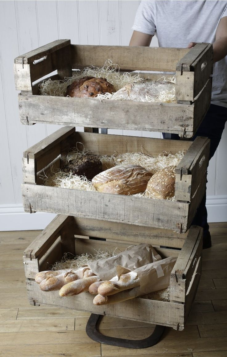 Absolutely adore this, so great for displaying fresh bread and delicious treats. Impulse buy anyone?