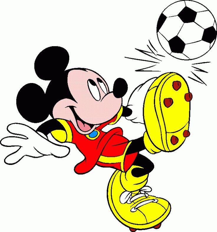 Mickey futbolista. Fondo blanco.