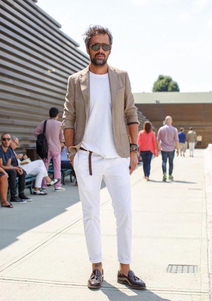 ホワイトパンツ×テーラードジャケットの着こなし
