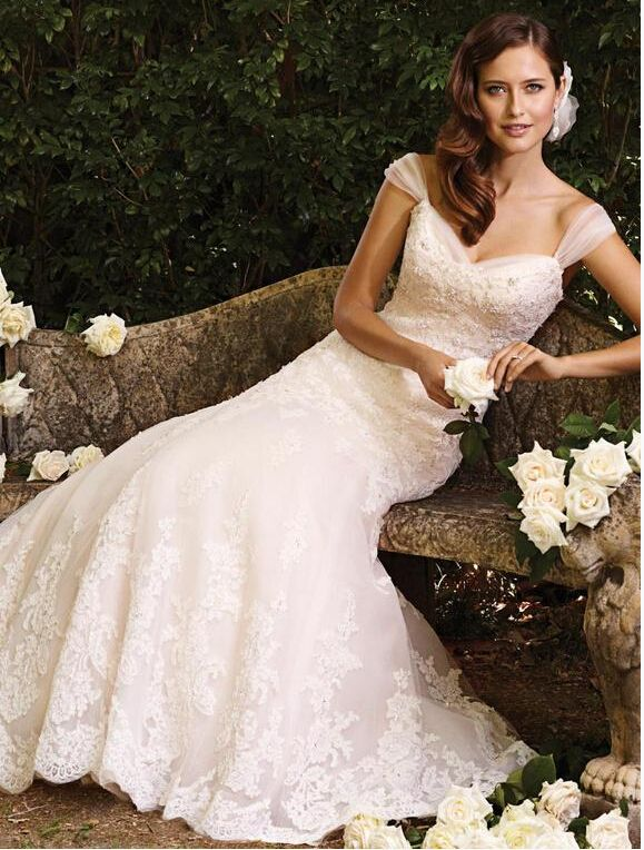 Chic Off The Shoulder Lace Pattern Bodice A Line Tulle Wedding Dress