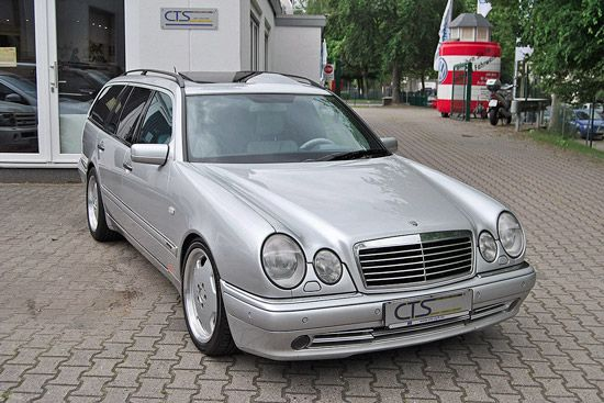 Koop Schumi's oude familiewagen: Mercedes E55 AMG