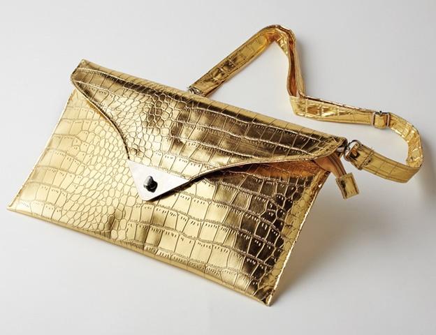 Gold clutch    $35    eluxe.ca