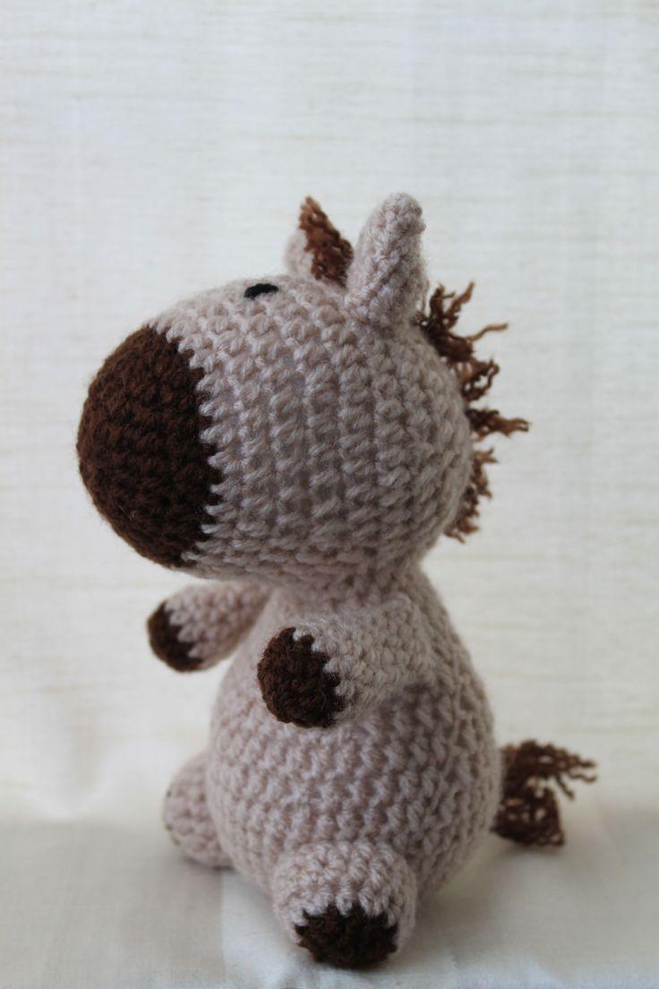 Hank the horse. Amigurumi plush animal. The animal is approximately 20 cm tall.
