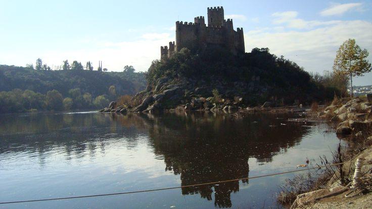 Castelo de Almourol, perto de Constancia