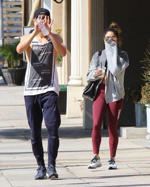 Austin Butler Photos - Couple Vanessa Hudgens and Austin Butler are seen leaving a pilates class in Studio City, California on October 11, 2016. - Vanessa Hudgens and Austin Butler Leave a Pilates Class