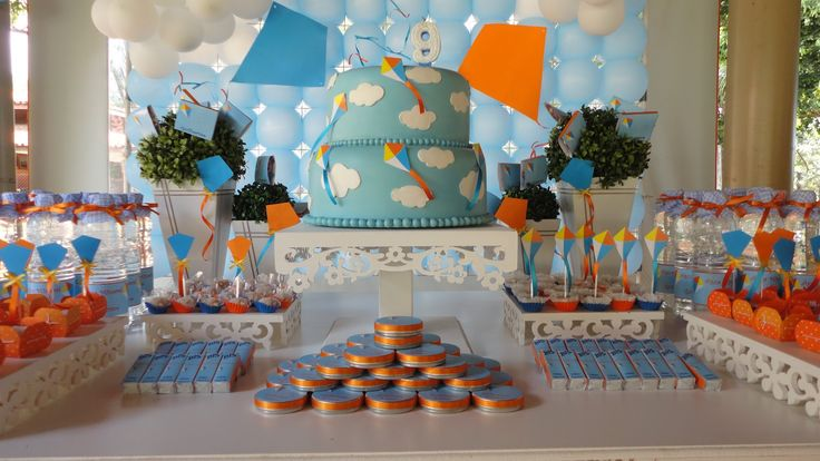 Kite decoration birthday party ideas miguel 2th for Decoration kite
