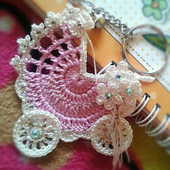 Adorable crocheted carriage that looks way easy!!!