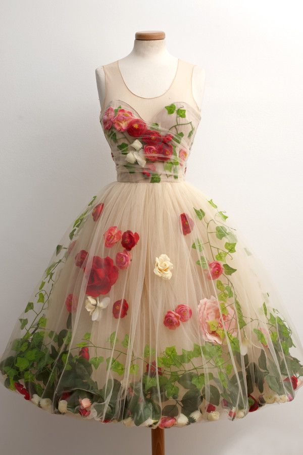 "Unique & Lovely, 1950s ""Secret Garden"" Party Dress made of tulle, artificial flowers and satin lining."