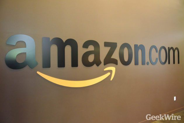 Smartphone shopping: Amazon says Thanksgiving mobile orders spiked 50% from last year