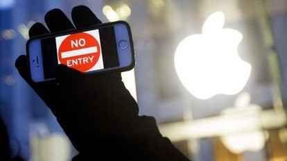 Ecco perché Apple vuole sapere come dormiamo Apple ha acquisito Beddit, una startup finlandese che produce sensori per tracciare il sonno e un software proprietario che ne elabora i dati ottenuti. La società ha confermato in queste ore alla sta #apple