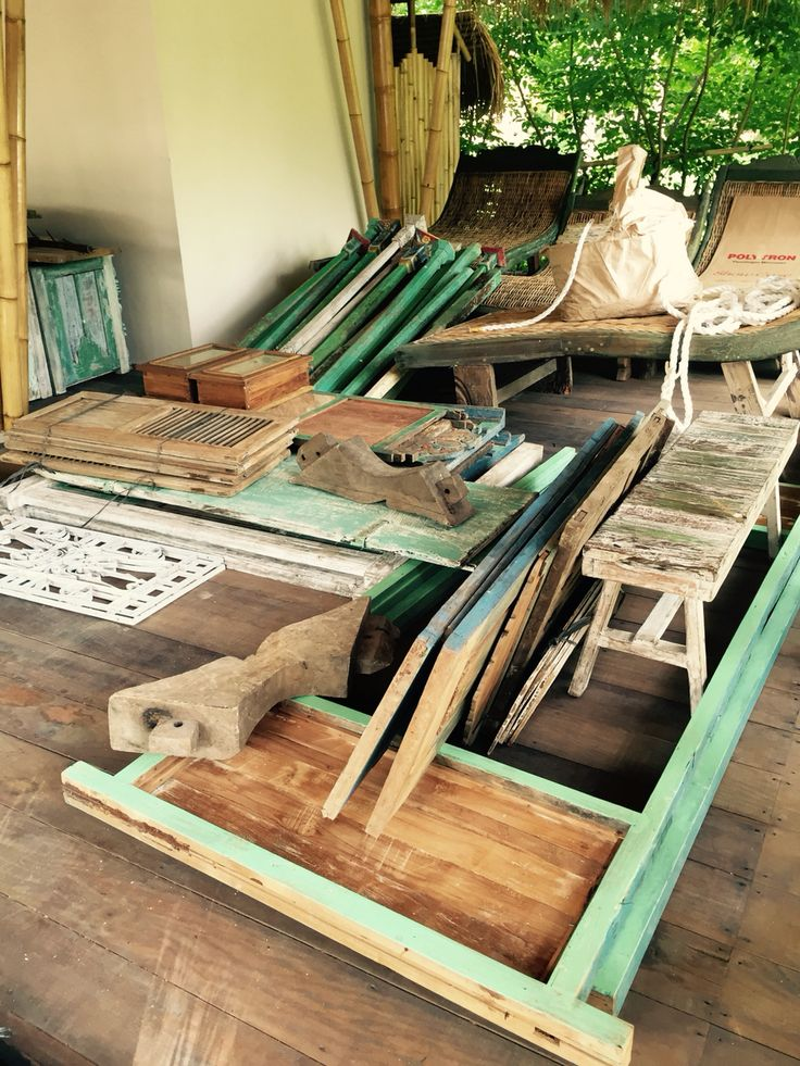 Vintage wood carvings from old joglo houses used for the private rooms at Captain Coconuts Gili Air