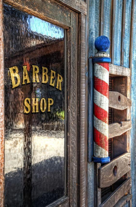 Barbearias no estilo vintage! 65 Exemplos de decoração / Blog Bugre Moda / Imagem: Reprodução