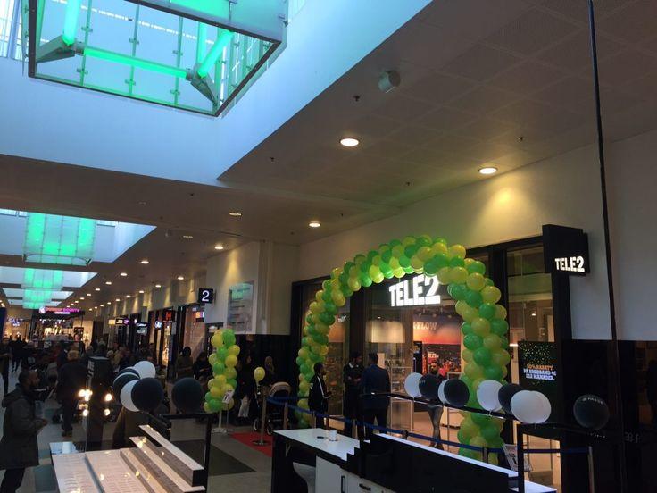 Tele2 Kista Galleria   I Kista Galleria i Stockholm har Tele2 öppnat en flaggskeppsbutik med bästa läge. Här finns 100 kvm butiksyta.
