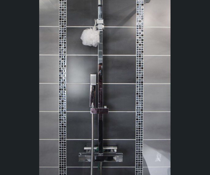 salle de bains gris argent sensea home sweet home. Black Bedroom Furniture Sets. Home Design Ideas