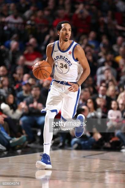 Shaun Livingston of the Golden State Warriors handles the ball against the Portland Trail Blazers on March 9 2018 at the Moda Center in Portland...
