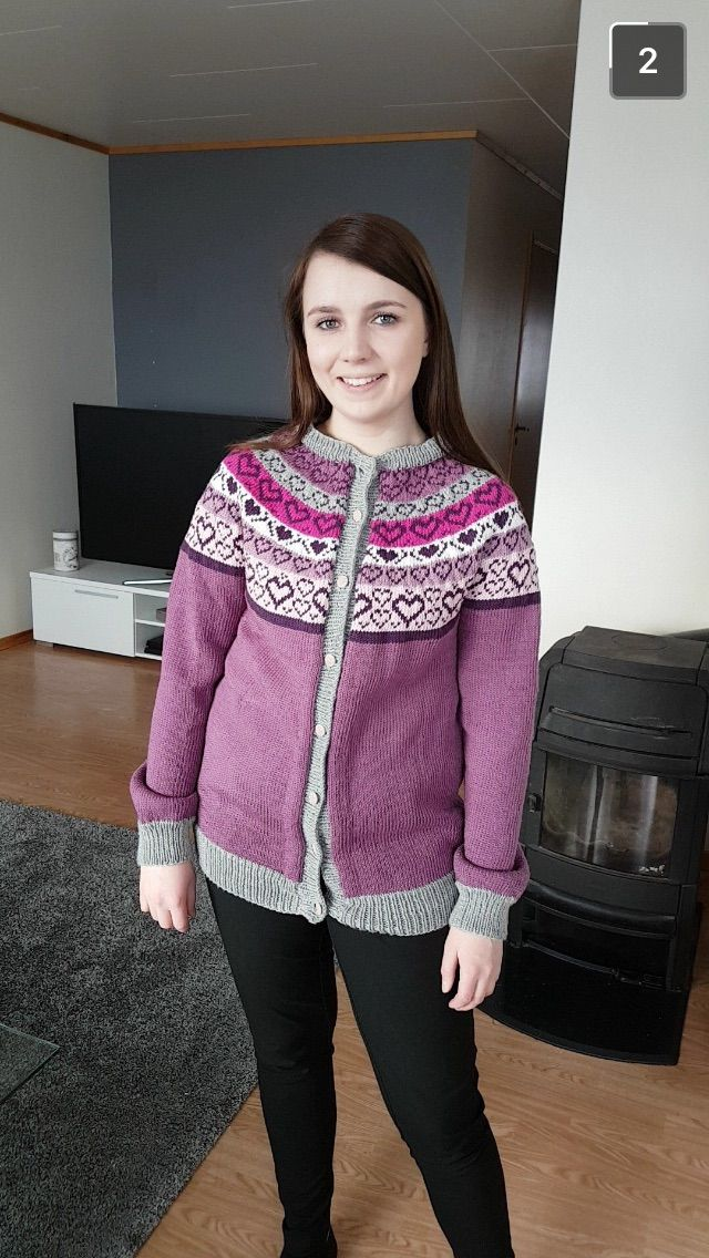 #hjertedamekofta omgjort til genser av min venninne