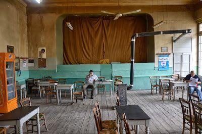 Άμφισσα, Καφενείον «Πανελλήνιο» triantafyllou giorgos architect: ΓΙΩΡΓΟΣ ΠΙΤΤΑΣ:ΤΑ ΚΑΦΕΝΕΙΑ ΤΗΣ ΕΛΛΑΔΑΣ