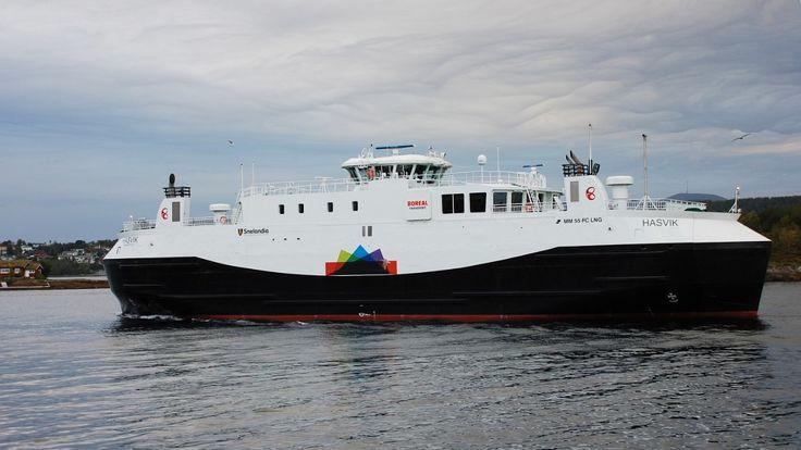Samtidig som folk i Hasvik i Finnmark river seg i håret over fergekaoset, viser en rapport at uhell med ferger og hurtigbåter langs norskekysten har økt kraftig siden 2003.