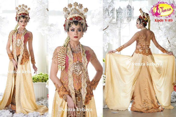 www.venzakebaya.net Kebaya gaun eksklusif pesanan pengantin. Kebaya-kebaya Venza ikut serta menghiasi acara pernikahan, sehingga nuansa pernikahan terasa lebih Mewah & semarak