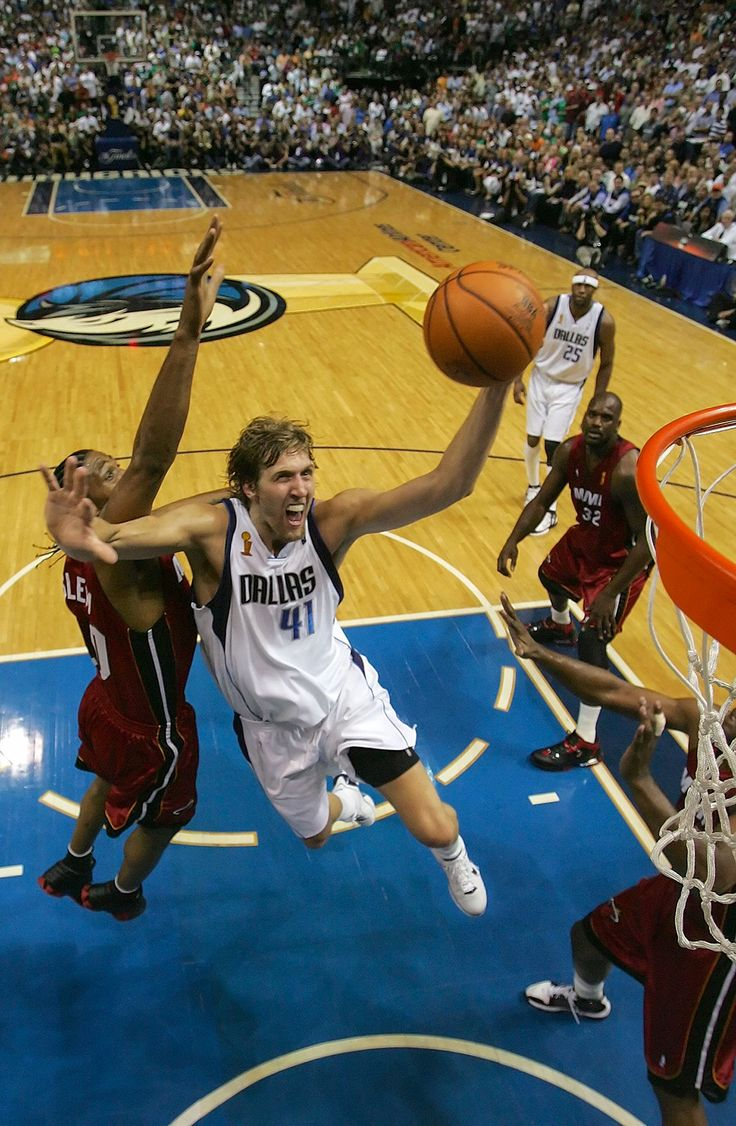 Dirk Nowitzki : 75 great photos from almost 70 years of the NBA Finals