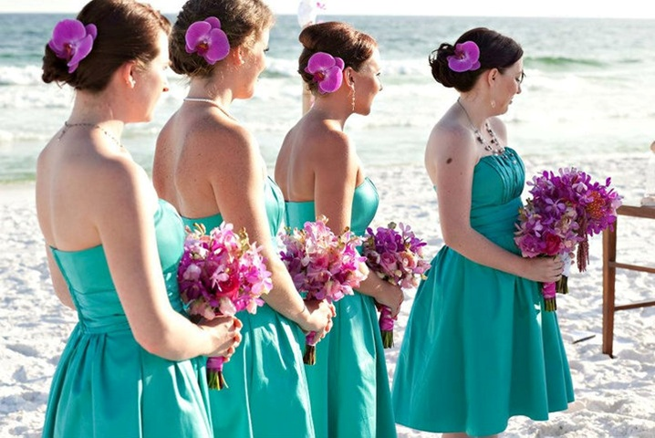 Perfect colors and I love the orchids in the bridemaids hair
