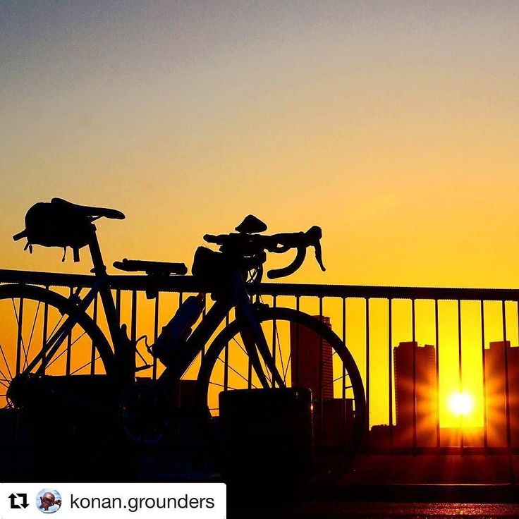 #Repost @konan.grounders with @repostapp  silhouette . . . #instaphotos #instaphotography #instacycling #roadbike #bicycle #cycling #cyclist #cyclinglife #cyclingphotos #landscape #landscapephotography #cyclingshots #cannondale #cannondalebikes #sunrise #sky #silhouette #ファインダー越しの私の世界 #自転車 #ロードバイク #自転車のある風景 #ポタリング #サイクリング #キャノンデール #ミラーレス #朝日 #α6000 #カメラ初心者