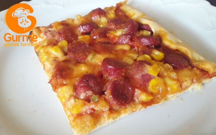 Ev Yapımı Sosisli Pizza Tarifi - Pratik Yemek Tarifleri. Gurme resimli kolay pratik Ev Yapımı Sosisli Pizza Tarifi nasıl yapılır yapılışı yapımı hazırlanışı