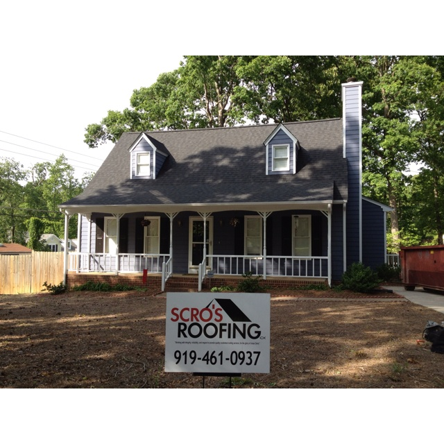 Best New Raleigh Roof Certainteed Landmark Color Charcoal Black Shingle Colors Roofing House Styles 400 x 300