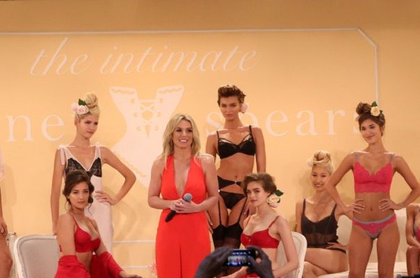 Perfume Singer Britney Spears Launches Own Lingerie Collection- The Intimate Britney Spears #BritneySpears, #Fashion, #Kimono, #Lingerie, #ZoeSaldana