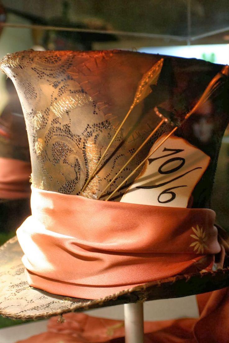El baúl de la reina: Cómo hacer el sombrero del Sombrero Loco de Alicia en el país de las maravillas.