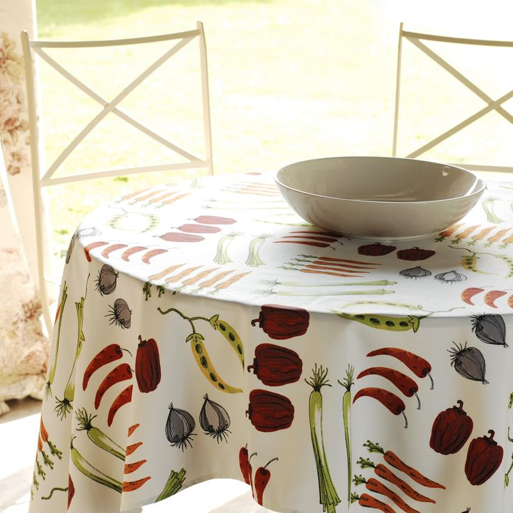 Our Peppers Gardenalia #cotton #fabric makes a stunning #tablecloth