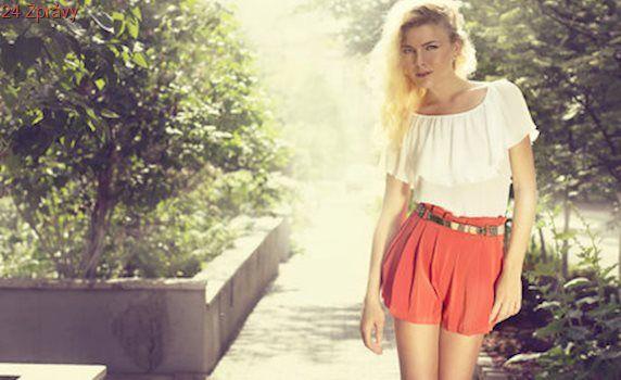 Odložte džínové kraťasy: 5 typů šortek, které užijete i do práce