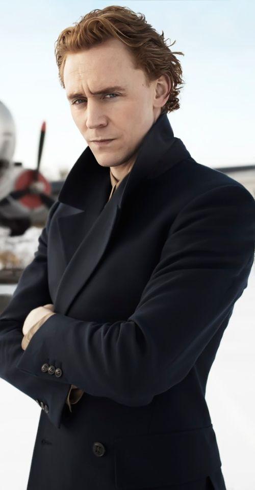 Tom Hiddleston by Scott Trindle (2012). Full size image: https://i.imgbox.com/P7ArN2m3.jpg