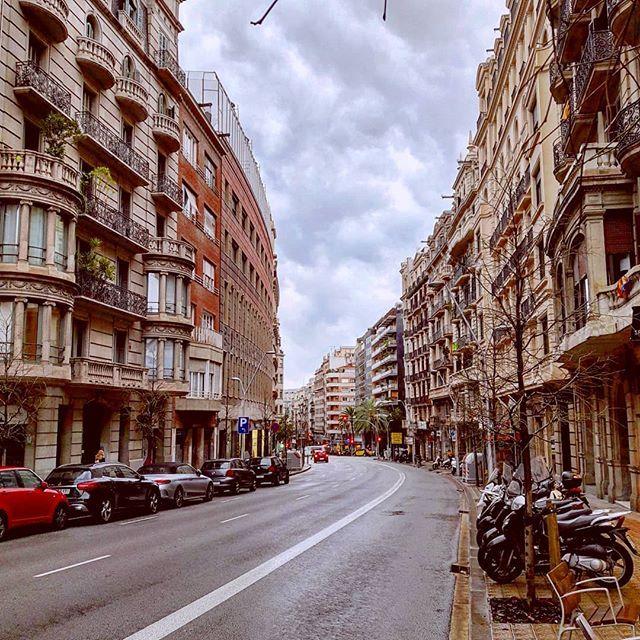 "#rckeyru Follow me >>><a href=""https://ru.pinterest.com/rckeyru/boards/"">>>> @rckeyru</a> ● Barcelona's street ●    #sunday #morning #sun #travelwithme #street #barcelona #palmtrees #palm #cars #city #windows #travelling #travel #mylife #style #relax #mylifestyle #traveling #travelingram #january #weekend #couple #beautiful #europe #roads #lights #drive #way #barcelona #spain"