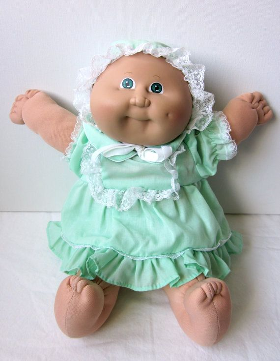 vintage cabbage patch kid preemie doll blond green eyes dimple we kid and cabbage patch kids. Black Bedroom Furniture Sets. Home Design Ideas