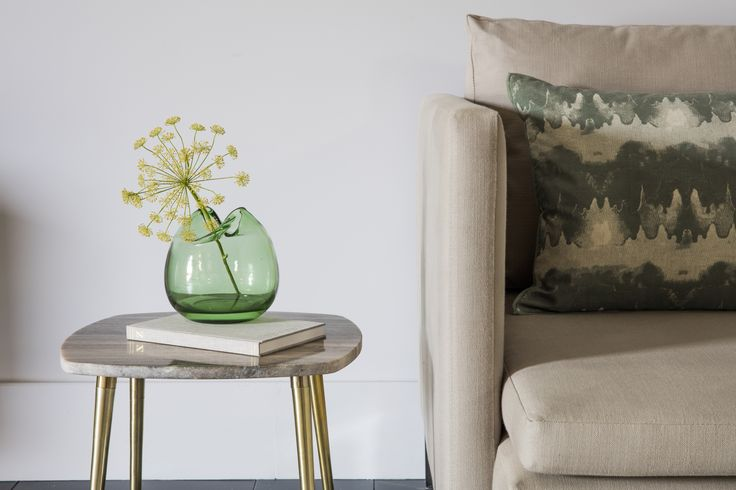 Paul 2-Seater-Sofa, Caesar Side Table, Verde Vase & Chukka Cushion